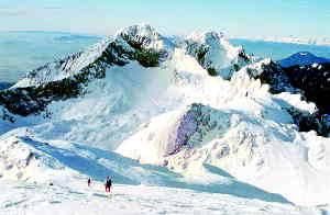 Grintovec, kamor je bila minulo soboto namenjena četverica hrvaških planincev, je priljubljena zimska točka. Foto: Boris Strmšek