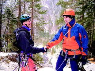 Boris Lovrenčič je na vrhu Slešu Kocjanu krepko stisnil roko. Foto: Jure Niedorfer
